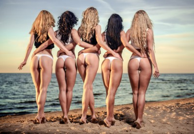Brazilian bum beauties in sexy string bikini